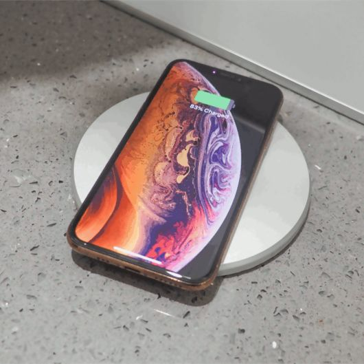 Power Tech Pop Up Socket With Qi Charging - 3 x UK pug & 2 x USB Port